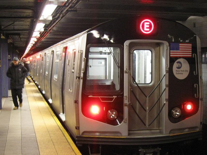 Указатели линии могут быть указаны и в конце поезда