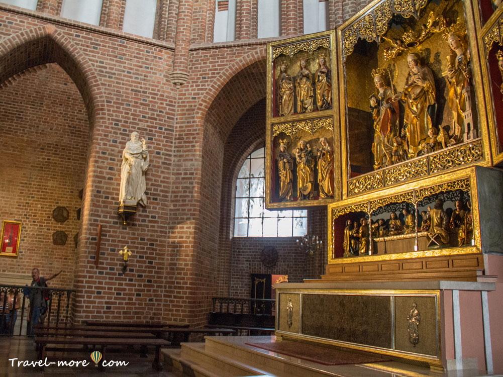 Кафедральный собор Святых Петра и Павла (остров Тумский)