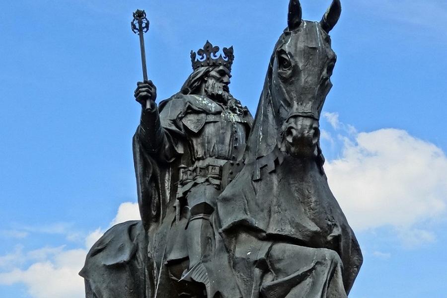 Быдгощ памятник Казимиру III Великому