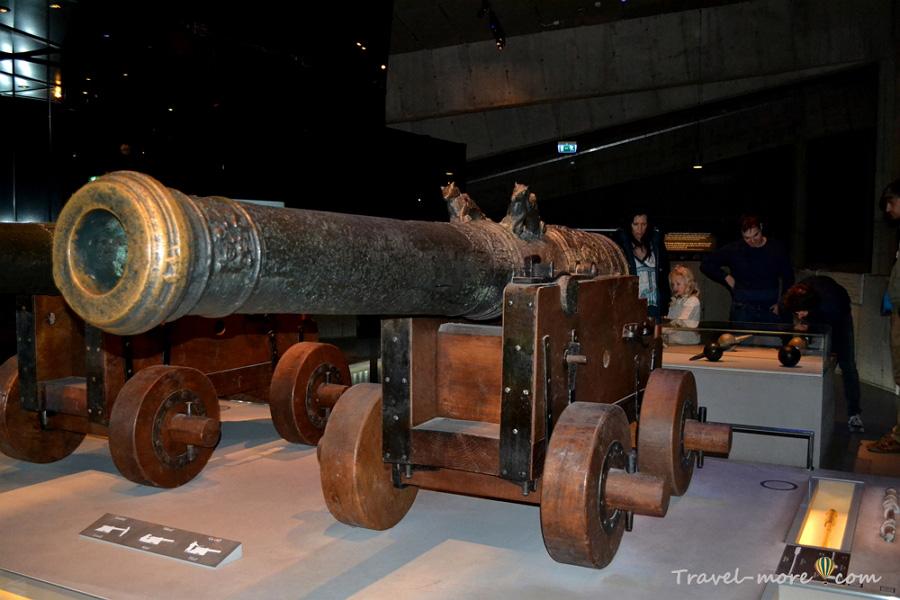 Музей Васа в Стокгольме пушка