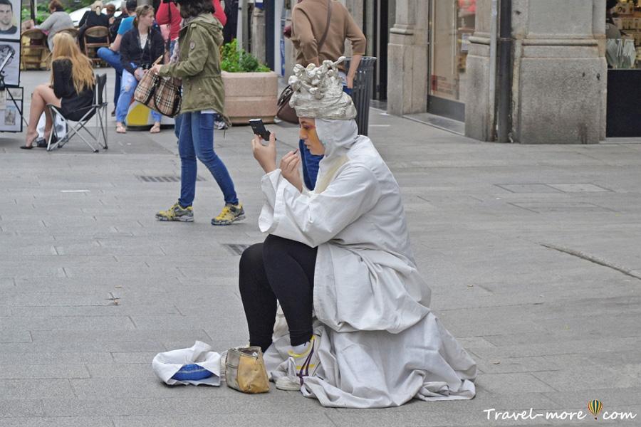 Живые скульптуры в Милане