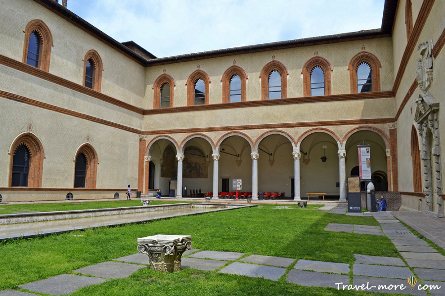 Замок в Милане