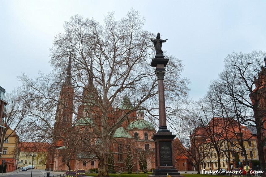 Статуя Иисуса Вроцлав