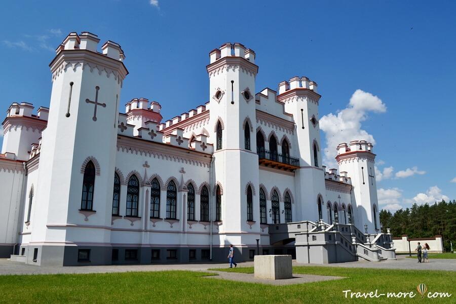 Замок Пусловских в Коссово